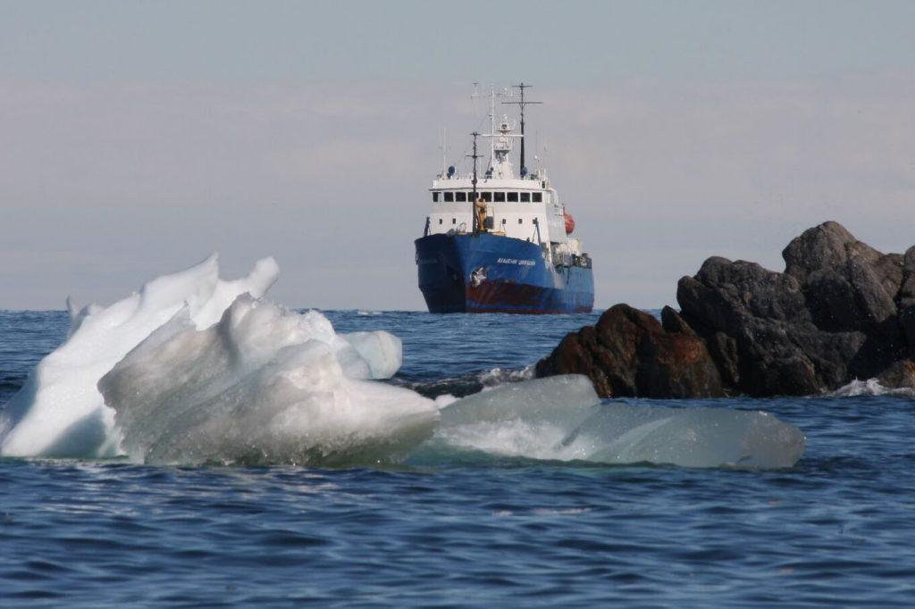 ship Shokalskiy
